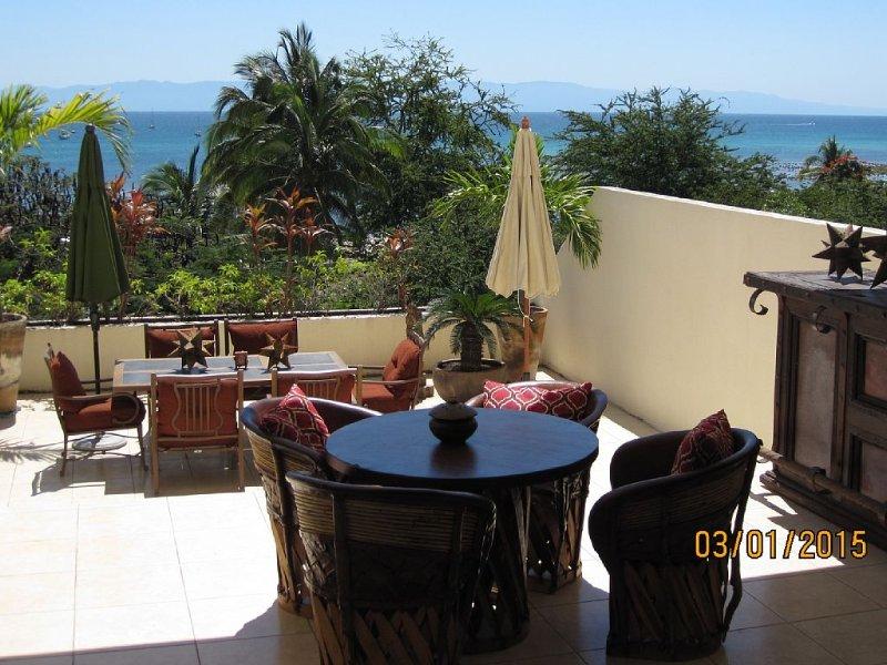 Luxury, Location, Ocean Views and a Huge Patio, location de vacances à Punta de Mita