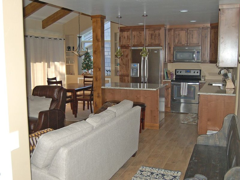 Remodeled, Free Wifi, Great location, Close To River Run & Downtown Ketchum, holiday rental in Ketchum