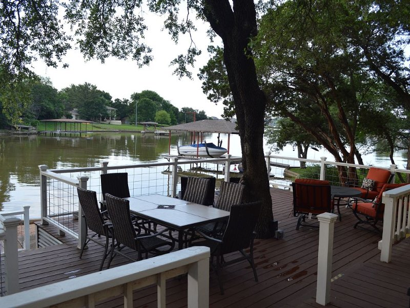 Relaxing Lakefront Get Away at Casa de Lago, vacation rental in Godley