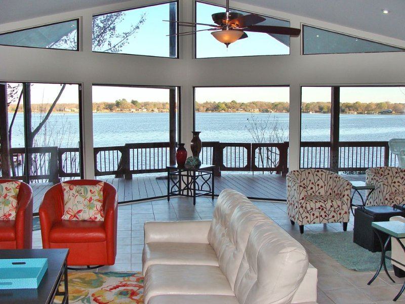 ONLY A FEW WEEKEND RATES LEFT THROUGH THE END OF THE YEAR!!, holiday rental in Eustace