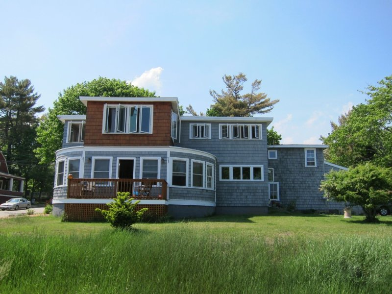 Private, 2nd Floor Cottage with Wonderful Ocean Views- Perfect for Families!, holiday rental in Old Orchard Beach