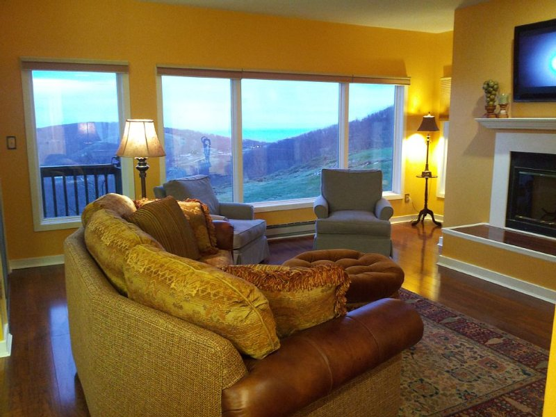 Now Booking for Hiking Tennis, Golf and Romantic Getaways, vacation rental in Wintergreen