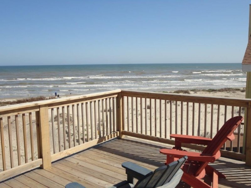 Waterfront Home With Unbelievable Views of the Ocean and Bay!, vacation rental in Galveston Island