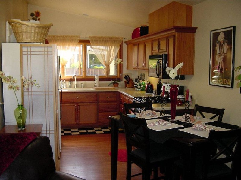Cozy, Charming, Ocean View studio, holiday rental in Cardiff-by-the-Sea