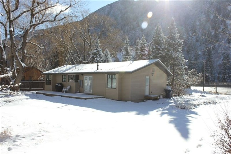 Home in Snowmass, Convenient to Skiing, X-Games and Fishing!, vacation rental in Snowmass Village