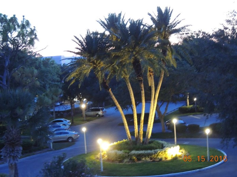 Lovely 2-BR/2-Bath Condo with Plantation Country Club Social Membership, holiday rental in Venice