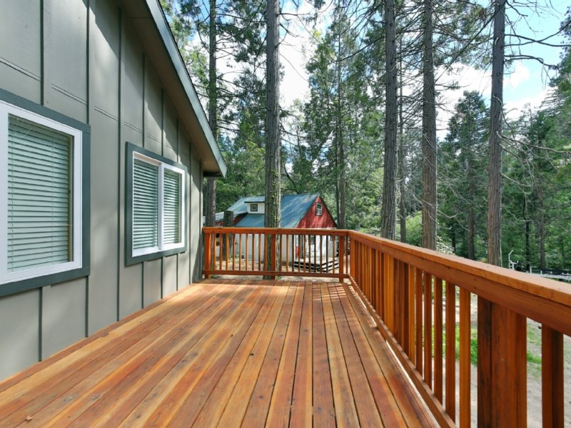 Beautiful newer Cabin In The West Village-WiFi/Walk to shops & restaurants, casa vacanza a Shaver Lake