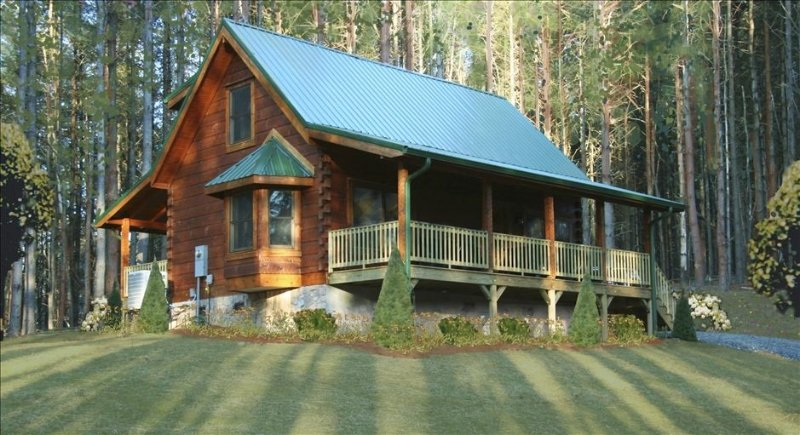 Beautiful Cabin w/River Lot! Rent  4+ Nites, get a Free nite! Holidays excluded, alquiler de vacaciones en West Jefferson