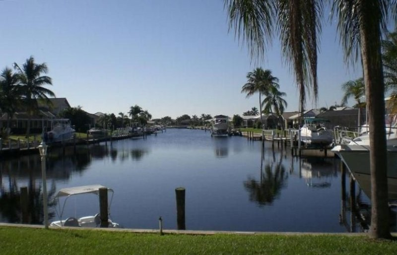 Canal Home with Pool in Beautiful Punta Gorda Isles!, casa vacanza a Punta Gorda