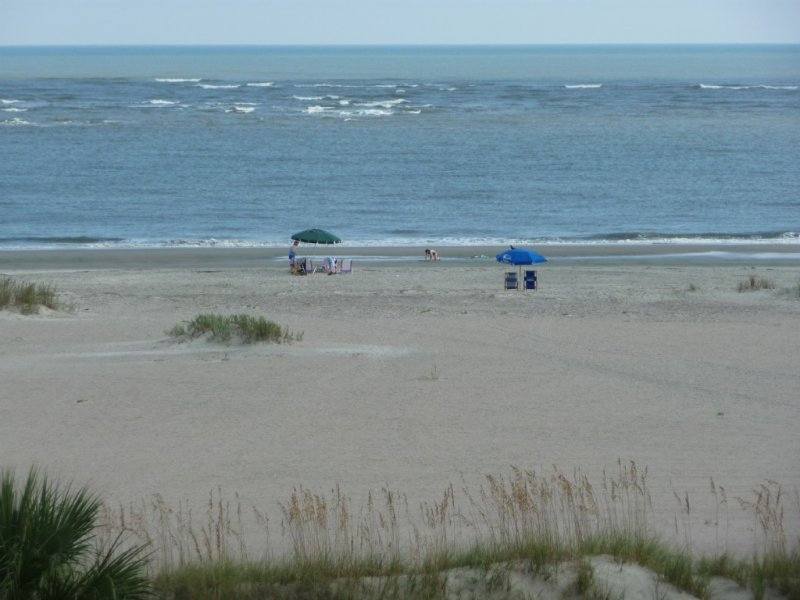 Oceanfront~Best Views~Beach Chairs! King, Double, Twin Beds+ Check our reviews!, location de vacances à Isle of Palms