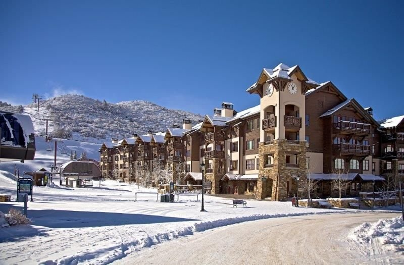 Luxury Ski In/Out Condo! 2 Master Suites and a bedroom for 4 kids! – semesterbostad i Avon