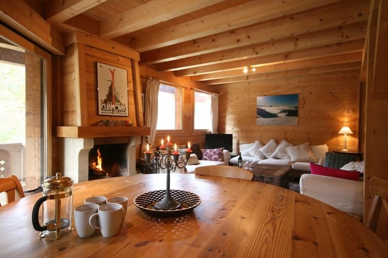 Chalet Pierre is the home of many a happy holiday both in summer and winter., location de vacances à Les Gets
