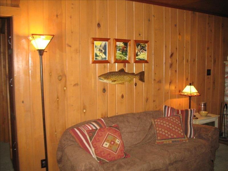 Rustic Mountain Home Near Lassen Park, holiday rental in Shingletown