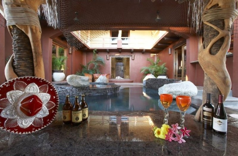 Pool/Spa courtyard