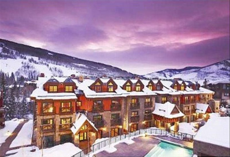 Heart of Vail Village-Luxurious, Spacious & Elegant Condo, holiday rental in Vail