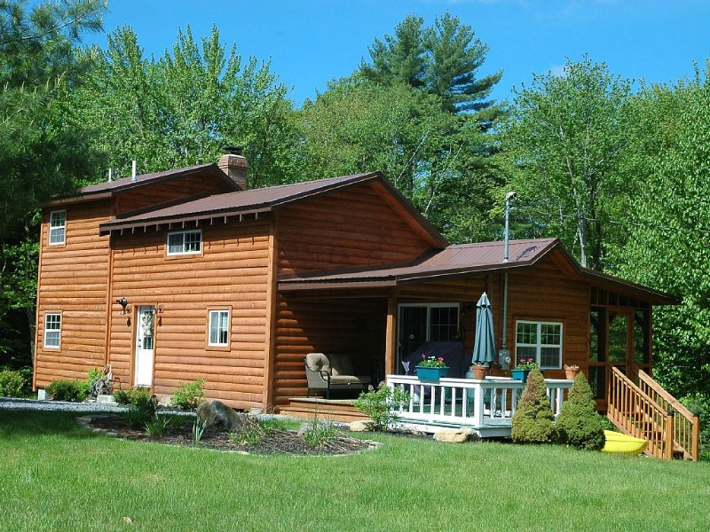 Located On A Secluded Lake But 20 Miles From Saratoga Springs Or L, holiday rental in Northville
