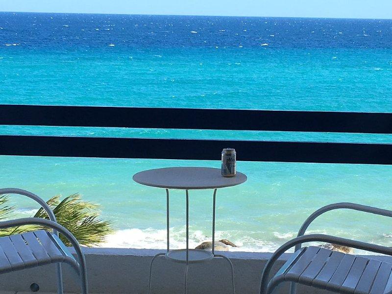 Beachfront Condo With Outstanding Views II !, aluguéis de temporada em Santiago