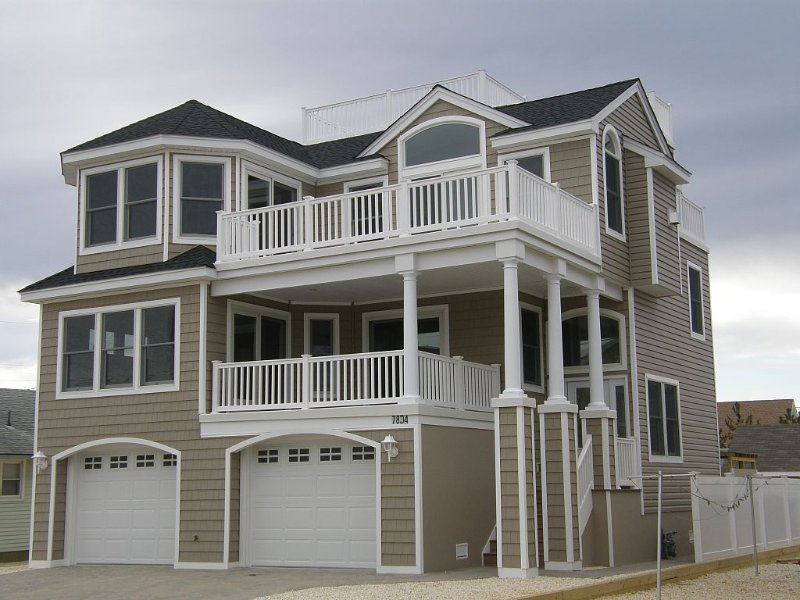 Beautiful New 5 Bedroom Home 3 Houses From Beach In Prime Lbi Location, holiday rental in Long Beach Island