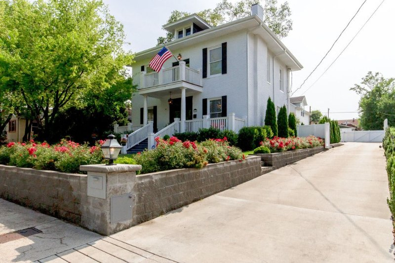 Nashville TN Vandy Area. Historic Estate a true 5 STAR! Gated. Featured on TMZ! – semesterbostad i Nashville