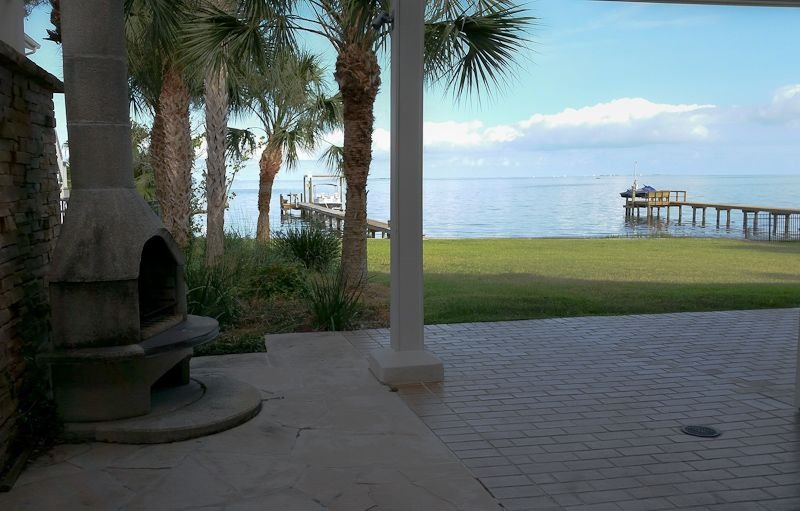 Romantic Escape; Open Gulf View; Your Own Private Dock!  Elevator to master., vacation rental in Crystal Beach