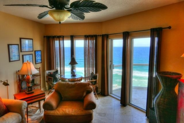 Experience the Beach Life at Emerald Isle 1203, holiday rental in Pensacola Beach