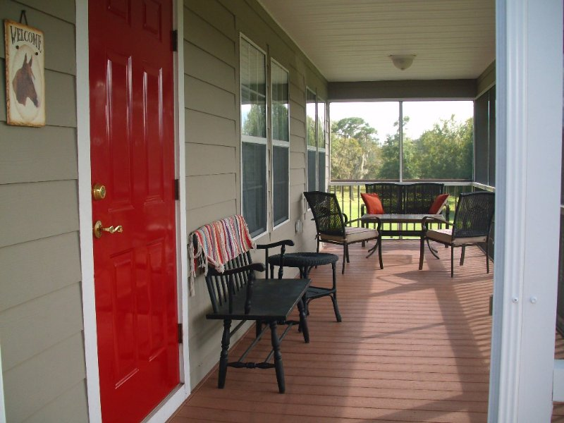 Peaceful, Tranquil Farm Setting To Recharge Your Batteries, alquiler vacacional en Brooksville