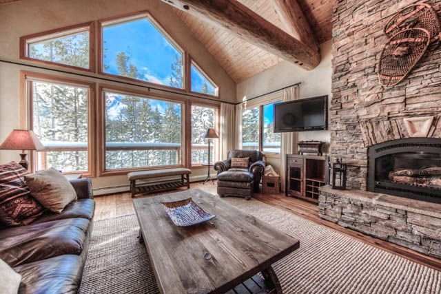 4 BR/4.5 Bath Premium Home With 3 Master Suites, vacation rental in Big Sky