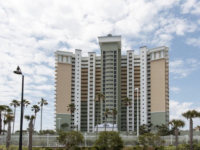 5 Star,Directly On Beach,Newly Renovated,Many Amenities,Beach Chairs, holiday rental in Panama City Beach