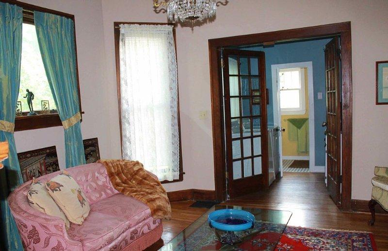 Woodland Heights Neighborhood-Early 1900's Victorian home - freshly renovated, alquiler de vacaciones en Springfield