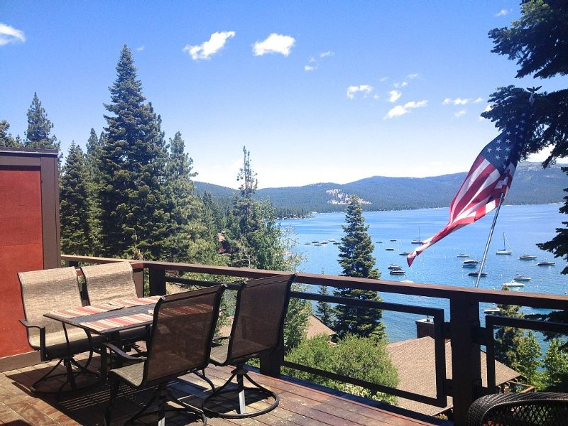 Luxury Lake Front, Stunning Views from 3 Levels - Private beach and pier, alquiler de vacaciones en Tahoe City