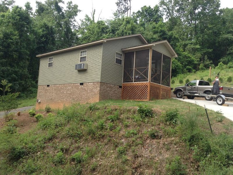 Cozy cabin on Lake Guntersville, Alabama, holiday rental in Grant