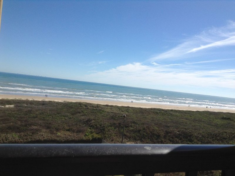 SPI Ocean View Condo Next to Schlitterbahn Water Park, holiday rental in South Padre Island