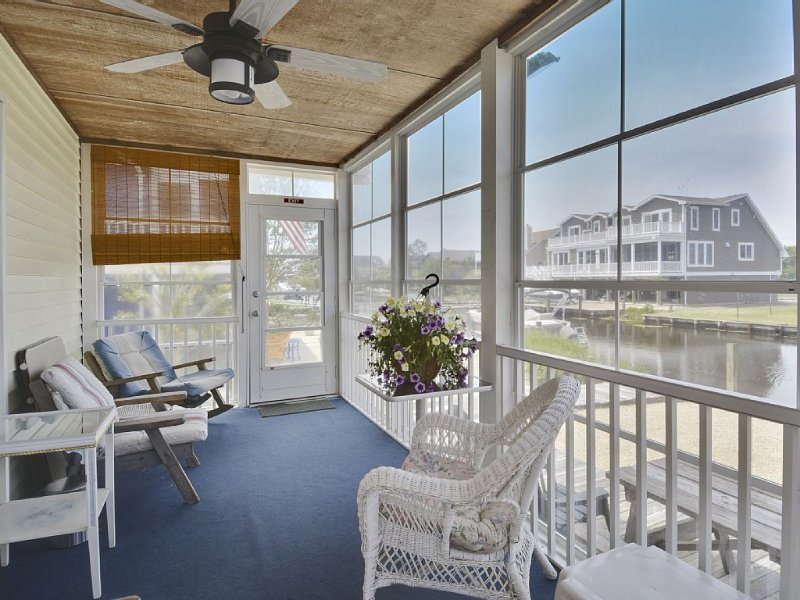 Delaware is now Open! Charming Quiet Water Front Beach Cottage - Bikes & Canoe!, holiday rental in Bethany Beach
