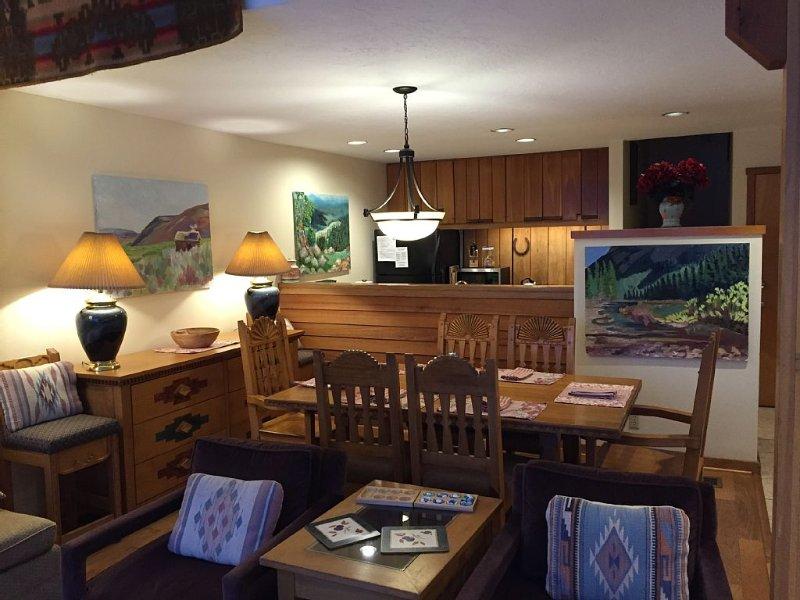 Jackson Hole 3BR/2BA, Ski and Summer Condo, Sleeps 7, vacation rental in Wilson