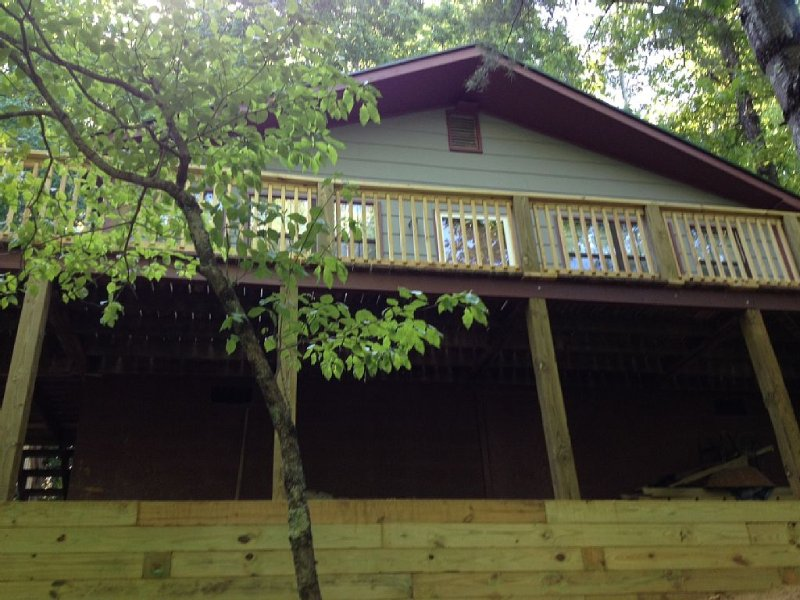 Quiet Cottage In The Mountains, Ferienwohnung in Hendersonville