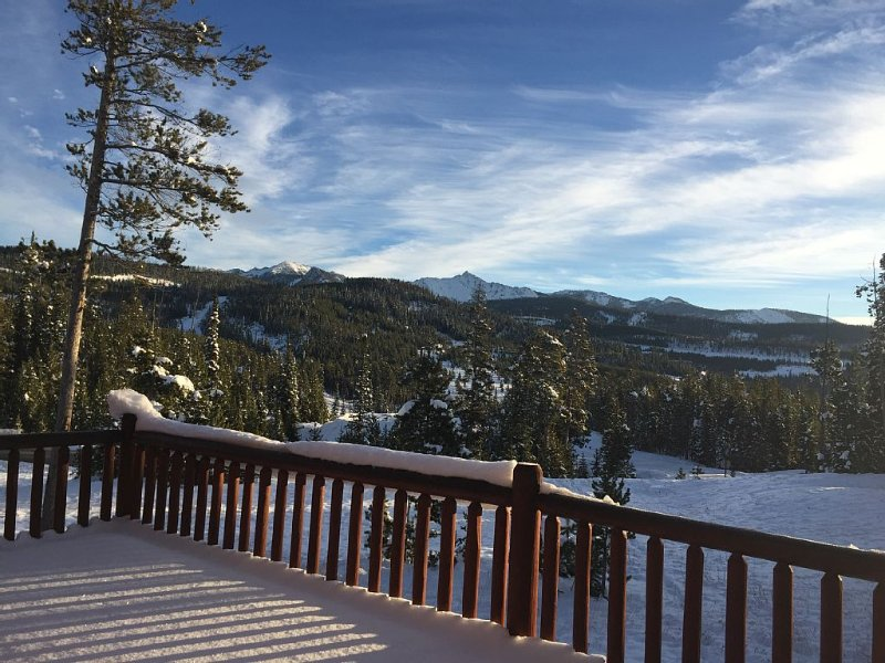 Ski-In/Ski-Out Powder Ridge Cabin In Beautiful Big Sky, holiday rental in Big Sky