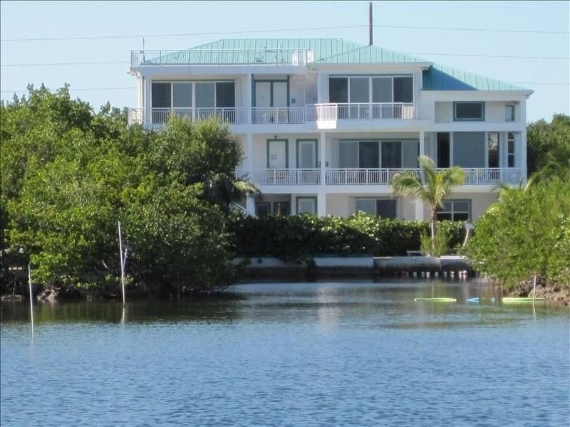 Oceanfront Mansion Exp Lifestyles of Rich&Famous-Gated, 6 Private acres,Secure, vacation rental in Key Largo