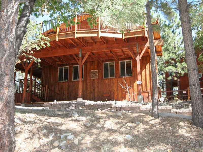 Cabin, With Panoramic Views, Of Trees, Lake And Ski Slopes, Sleeps 8, alquiler de vacaciones en Big Bear Region