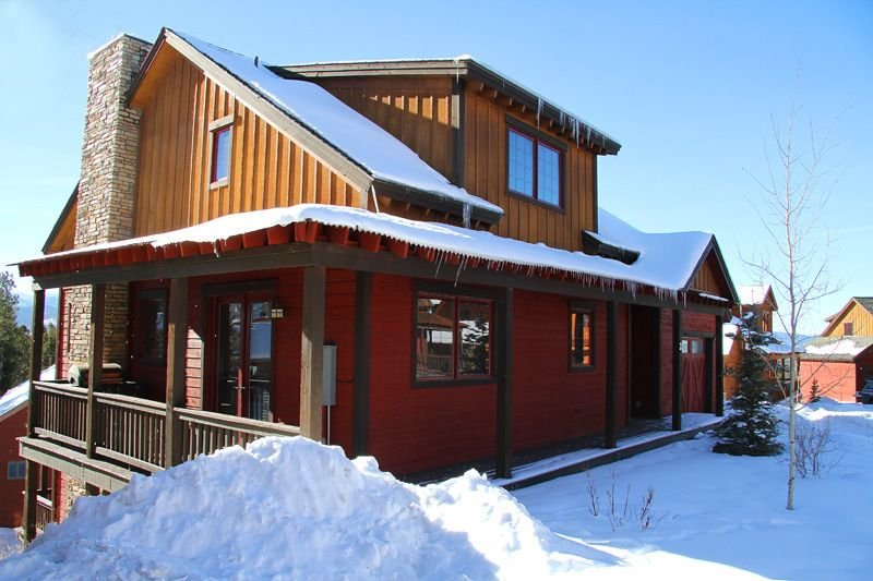 5br Luxury Mountain Home Sleeps 10-20: Hot Tub, Game Room, Free Ski/town Shuttle, alquiler de vacaciones en Fraser