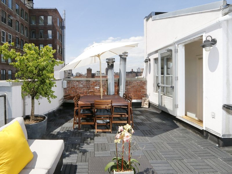 Private roof terrace directly accessible from inside the condo