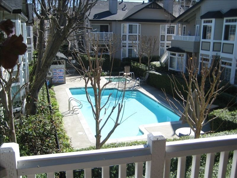Charming Condo in Alamo, Great Access to All Sf Bay Area/Bart, holiday rental in Pittsburg