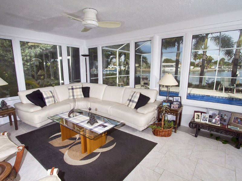 Waterfront Property provides Comfort And Privacy on the Intra-Coastal Waterway, holiday rental in St. Pete Beach