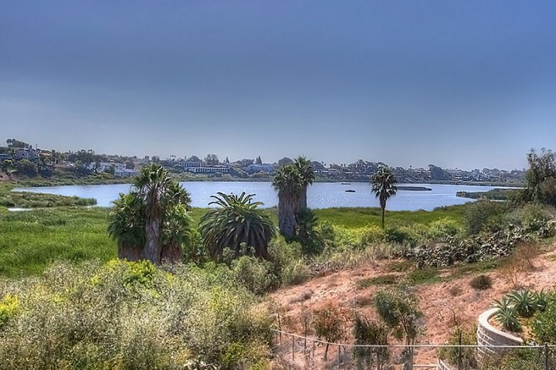 Buena Vista Lagoon By The Beach, vacation rental in Oceanside