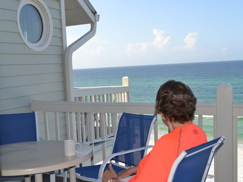 Direct Ocean Front/Beach Front on 30A- Between Seaside & Rosemary & Next to Alys, holiday rental in Seacrest Beach