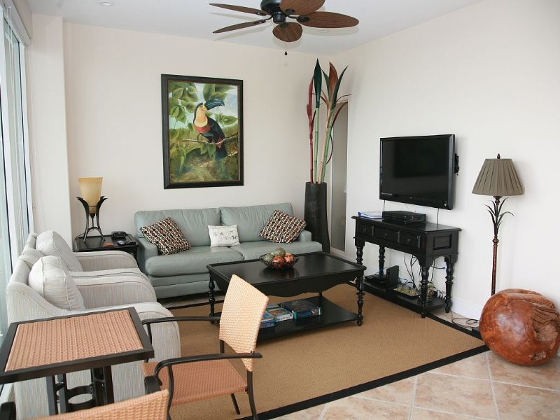 Fifth Floor Condo With Ultimate Central Location And Great View, alquiler de vacaciones en Tiki Island