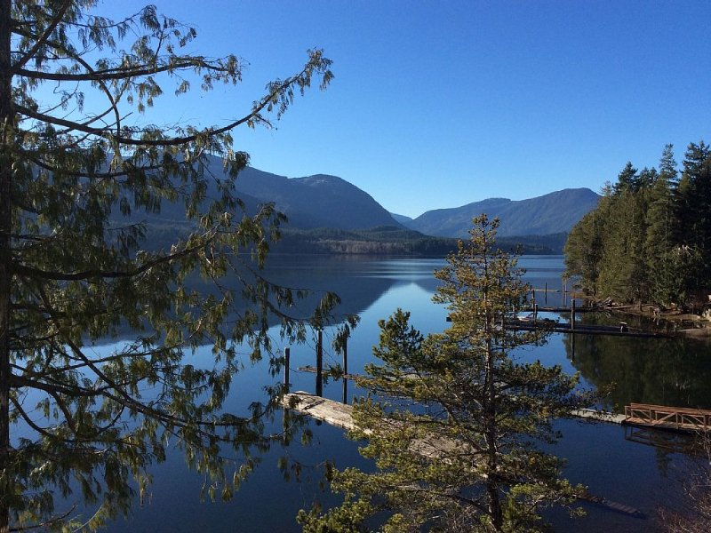 Take a deep breath........unwind and let the natural beauty take you away......., vacation rental in Port Alberni