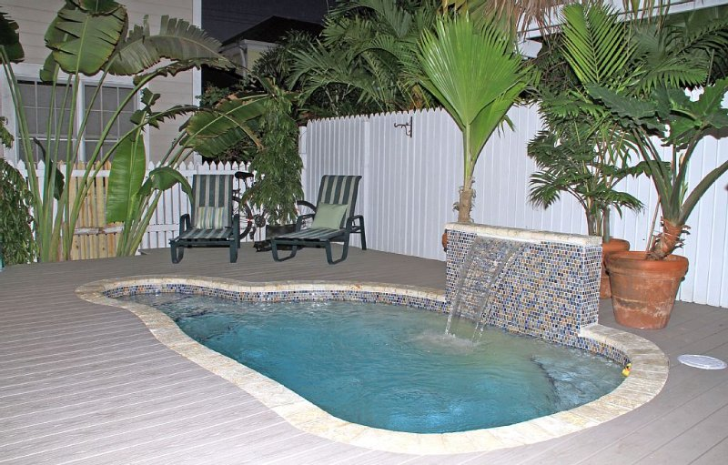 PRIVATE HOME IN OLD TOWN - 3BR & 3.5 BATHS, vacation rental in Key West