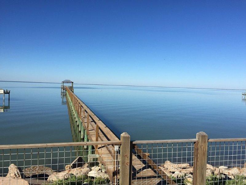 Copano Bayfront Home w 385' private pier, Ferienwohnung in Rockport