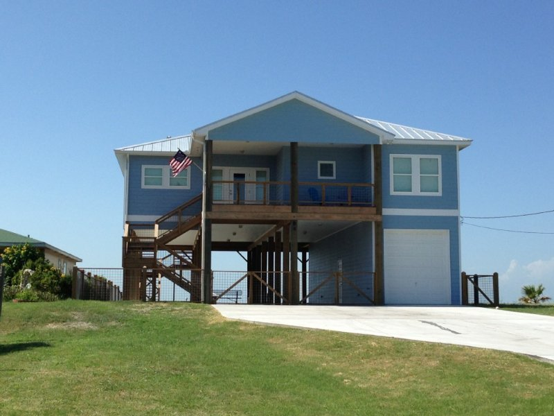 Big Blue on Copano bay (front view)