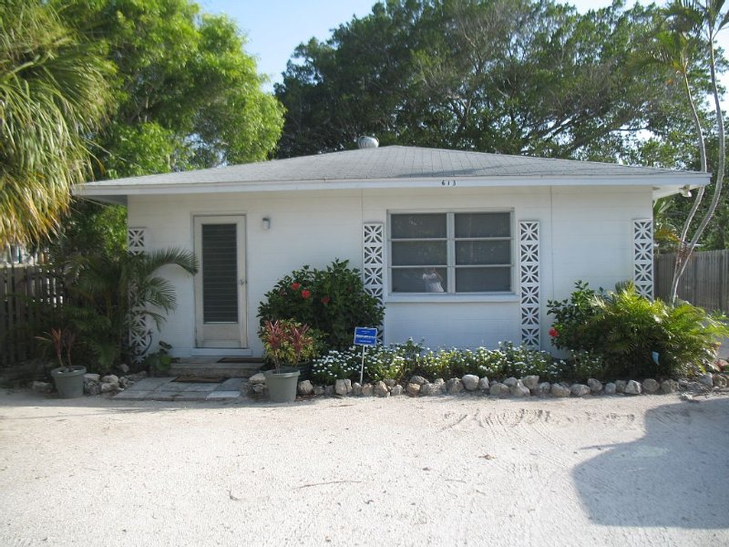 Jan, Feb, 1 month minimum, Contact for special rates $4K mo,  $7500. 2 mo + tax, holiday rental in Anna Maria